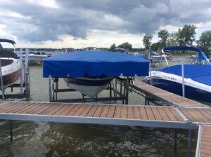 Boat lift, élévateur à bateau au lac champlain