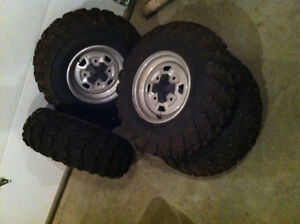 Can-Am Outlander tires and rims