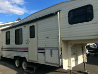 25.5' Prowler Fifth Wheel