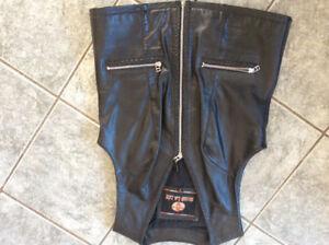 Veste sans manches et botte de moto pour femme