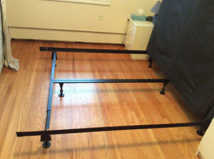 Queen Size Metal Bed Frame Middle Support/Serta Box Spring
