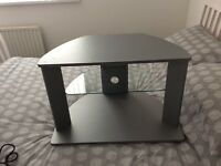£4 £4 Tv table with glass