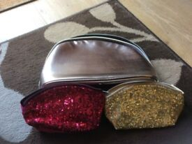 Large no 7 wash bag and two small glittery make up bags only £1