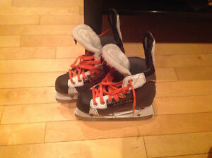 Easton Hockey skate size 1 / patin de hockey Easton grandeur 1 Gatineau Ottawa / Gatineau Area image 1