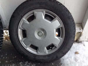 Pneus d'hiver 185/65R-15 Michelin X-Ice Xi3 XL Winter Tires