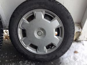 Pneus d'hiver 185/65R-15 Michelin X-Ice Xi3 XL Winter Tires