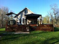 Magical Riverbend Cabin In St.Malo On Almost An Acre