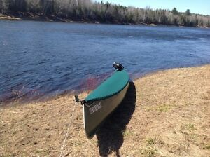 26' Sharp Canoe to sale with lots of extras...
