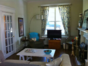 Beautiful 2 bedroom house near Park, downtown and MUN