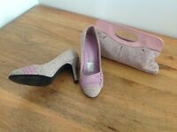 Ladies size 7 shoes and matching handbag