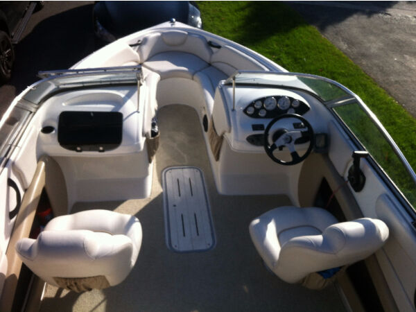 Used 2005 Thundercraft by Cadoerette Marine Magnum 210