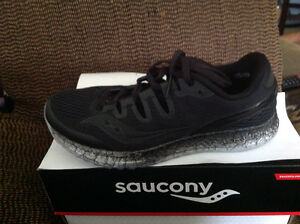 Freedom ISO women's shoes by Saucony