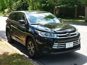 2017 Toyota Highlander LE SUV. Great value! Very low km