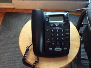 Téléphone avec répondeur et afficheur