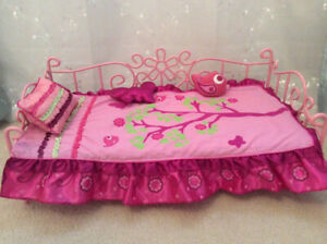 """OUR GENERATION DOLL SCROLL BED FITS 18"""" DOLL LIKE AMERICAN GIRL"""