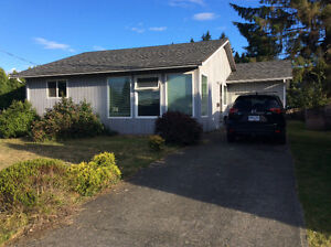 Room in 3 Bedroom Willow Point house for rent Campbell River Comox Valley Area image 1