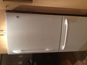 Refrigerateur GE Profile blanc 19.5