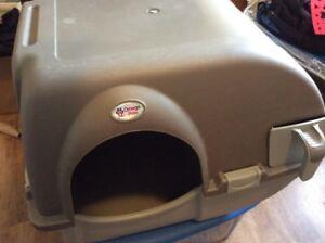 Bac à littière pour chats Omega paw ´´roll n' clean'´ à vendre