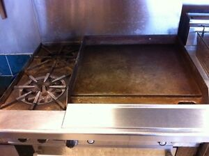 Garland H286-24gth Gas Griddle with 2 Burners, and Oven Cambridge Kitchener Area image 3