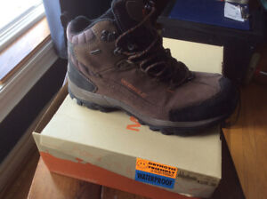TIMBERLANDS MERRELL SOREL STANLY BOOTS. SIZE 10. BNIB.