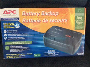 APC Batterie de secours 550 VA Back-up