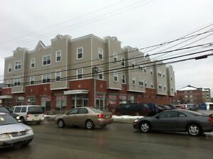 Clean 5 1/2 downtown Lennoxville for rent