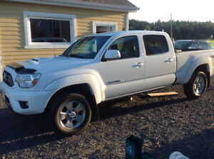 2014 Toyota Tacoma Full equiper Camionnette