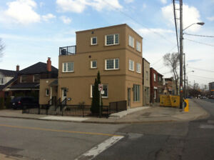 $2000 Commercial/Retail space, on 61 Scarlett Road