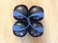 Set of henslite super grip bowls size 5 including bag excellent condition .