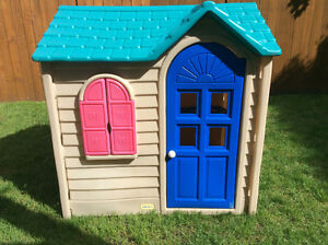Kids playhouse and more / maisonnette pour enfants et plus!