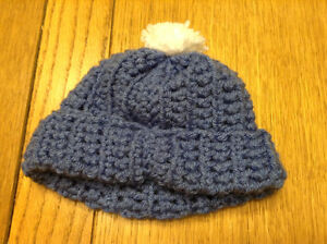 CUTE HAND-KNIT BABY HAT