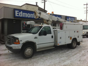 2001 FORD F-450 SERVICE BODY/32 FT ALTEC MANLIFT