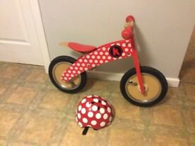 Kiddimoto curve balance bike and matching helmet