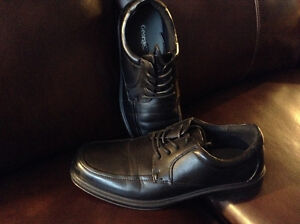 (NEW) - Men's Casual / Dress Shoes & Rubber Overshoe