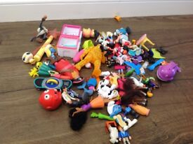 Mixed plastic toys bundle