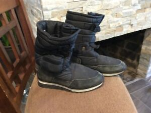 Winter boots for snowmobiling, ice fishing, walking
