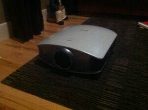 Sony Bravia VPL-VW40 Digital Projector and Screen
