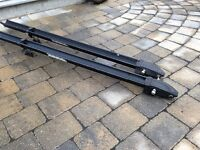 Supports a velo thule