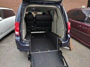 2015 Dodge Grand Caravan Wheelchair Accessible Minivan, Van D409