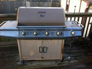BBQ Brinkmann 4 burner with bonus side burner