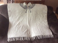 unisex one size fits all woolen poncho from Peru