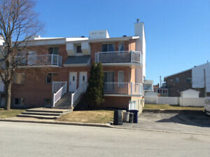 3 1/2 for rent Chomedey, Laval July 1st
