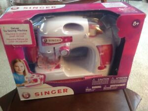 Deluxe Singer Sewing Machine Age 8+ Like New