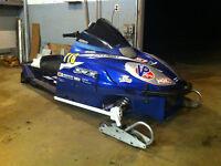 98 SRX 600 asphalt sled