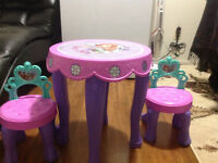 Sofia table and chair