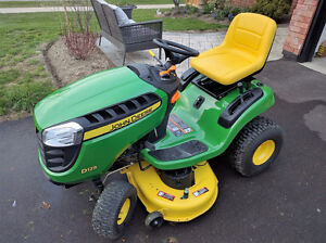John Deere D125 Lawn Tractor - Barely Used