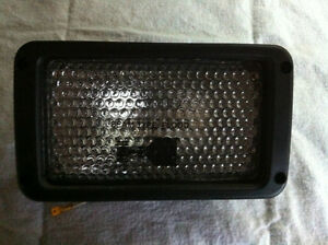 Grote 24 Volt Flood Lamp Excavator 63241-5 Light