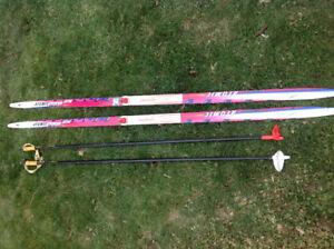 Atomic skate skis