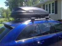Thule roof carrier and cross bars