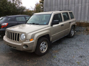 2010 Jeep Patriot ONLY 125,350 KM!! Includes winter tires